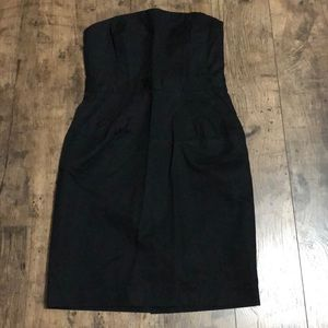Banana Republic strapless black dress. Size 6P.